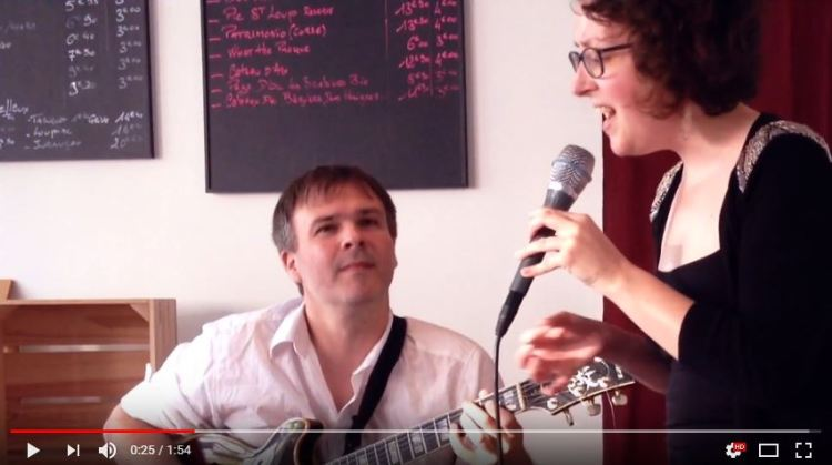 Extrait de notre concert, à St-Nazaire, le 21 juin 2018 en duo avec Sébastien Chauveau à la guitare.